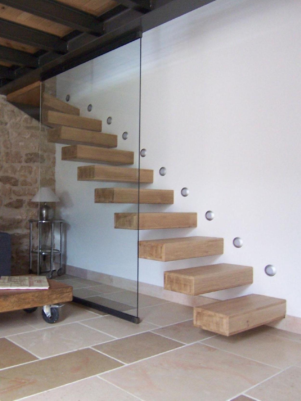 Renovation Escalier Nord Pas De Calais menuiseries intérieures en bois-escaliers en bois-portes de